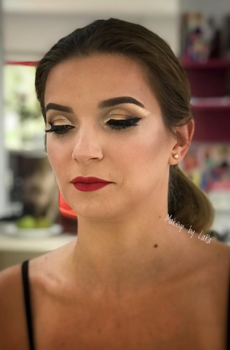 Eyeliner and redlips